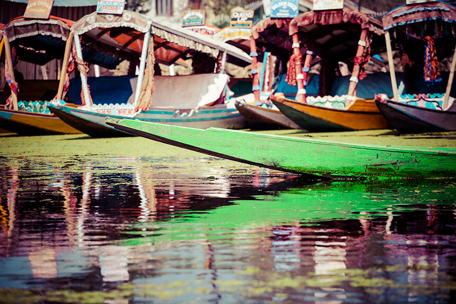 SRINAGAR WITH HOUSEBOAT