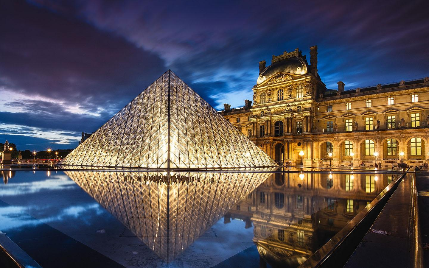 Alluring Paris Honeymoon Package