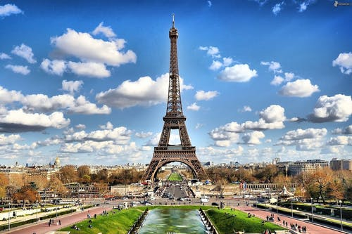 CHARMING PARIS HONEYMOON