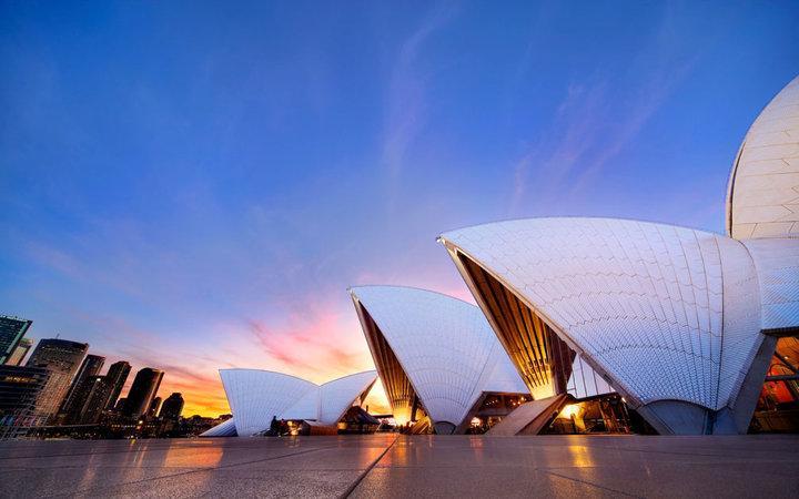 Australia Delight Gold Coast  Hamilton  Sydn