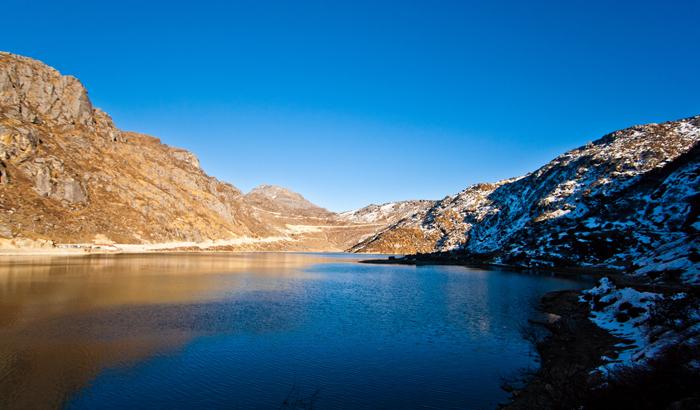 Beautiful Kangchenjunga Hills - Honeymoon Special