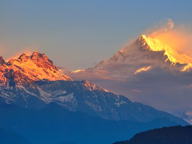 Beautiful Kangchenjunga Hills - Honeymoon Special